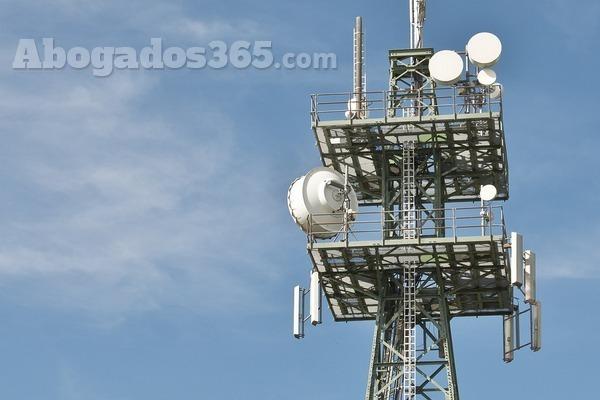 ¿Cómo se regula la telefonía, la televisión e internet? El Derecho de las Telecomunicaciones
