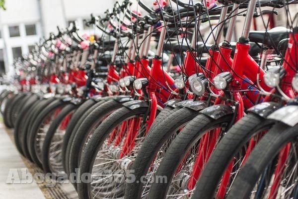 La legalidad de los dispositivos lumínicos ciclistas