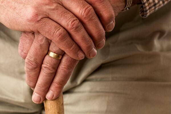 ¿Quién tiene derecho a pensión de viudedad?